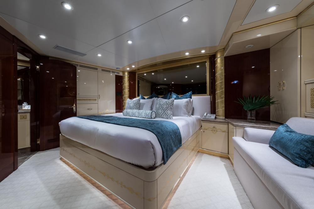 TOUCH - Luxury Motor Yacht For Charter - 3 DOUBLE CABINS - Img 1 | C&N