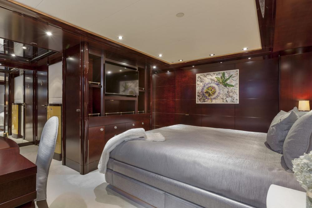 TRENDING - Luxury Motor Yacht For Charter - 2 DOUBLE CABINS - Img 1 | C&N