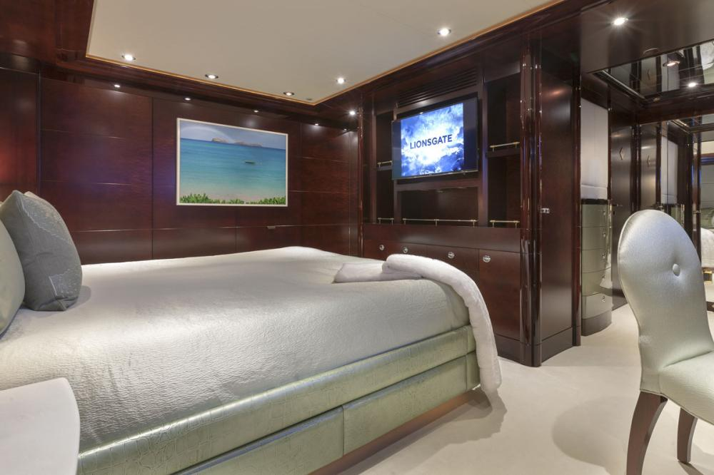 TRENDING - Luxury Motor Yacht For Charter - 2 DOUBLE CABINS - Img 2 | C&N