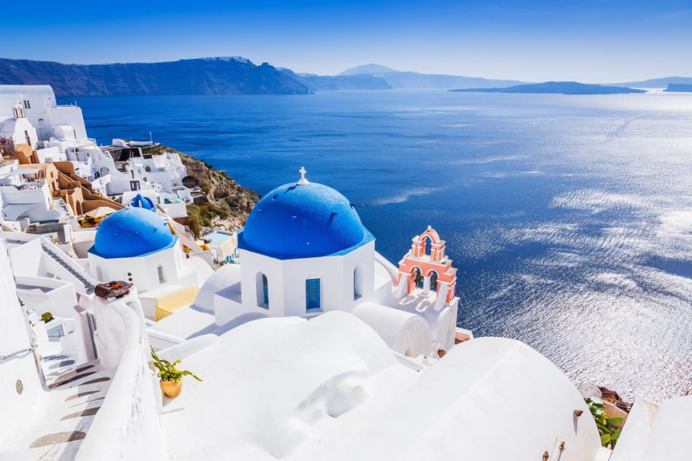 The Cyclades, Greece - PAROS TO SANTORINI - Luxury Charter Itinerary | C&N