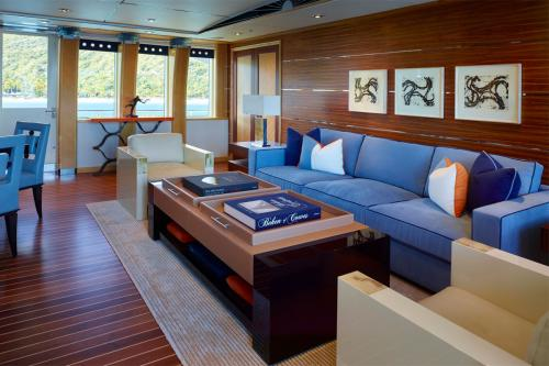 VICTORIA DEL MAR - Luxury Motor Yacht For Charter - Interior Design - Img 3 | C&N