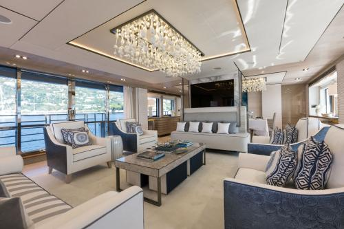 THUMPER - Luxury Motor Yacht For Charter - Interior Design - Img 3 | C&N