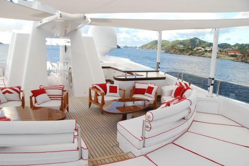 AXIOMA - Luxury Motor Yacht For Charter - Exterior Design - Img 3 | C&N
