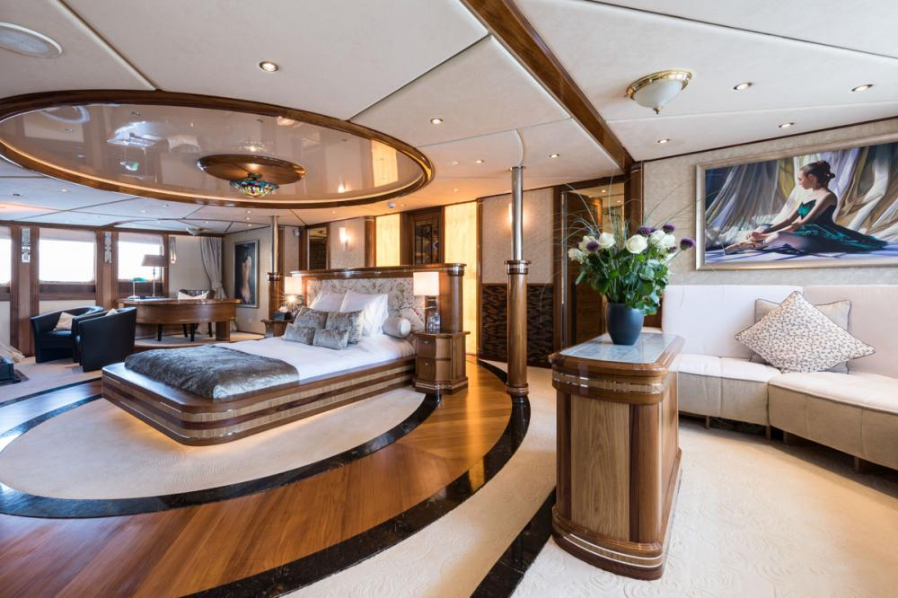LEGEND - Luxury Motor Yacht For Charter - 1 MASTER CABIN - Img 1 | C&N