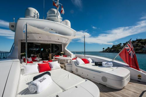 KING - Luxury Motor Yacht For Sale - Exterior Design - Img 3 | C&N