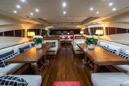 KING - Luxury Motor Yacht For Sale - Interior Design - Img 3 | C&N