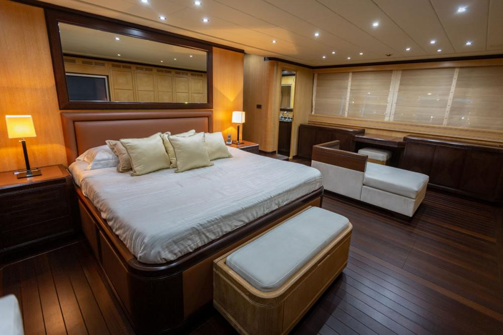 KING - Luxury Motor Yacht For Sale - 1 MASTER CABIN - Img 1 | C&N