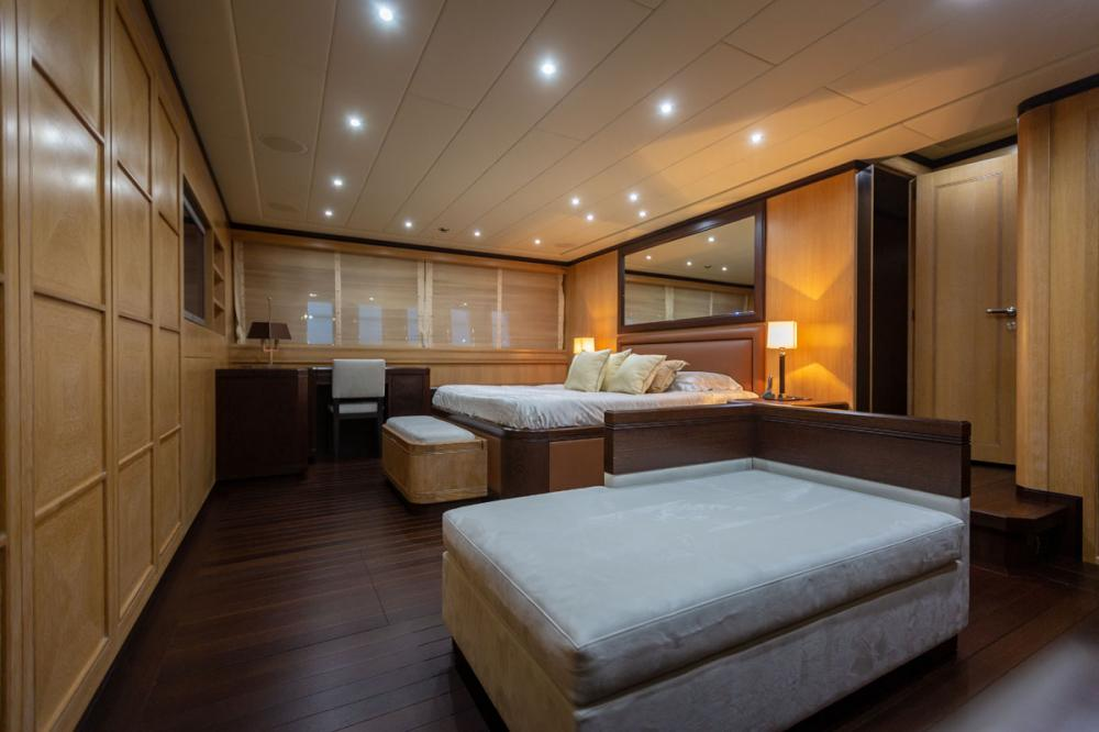 KING - Luxury Motor Yacht For Sale - 1 MASTER CABIN - Img 2 | C&N