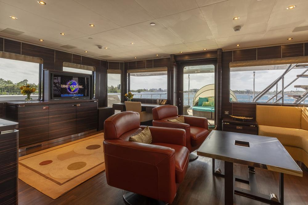 QING - Luxury Motor Yacht For Sale - 1 MASTER CABIN - Img 3 | C&N
