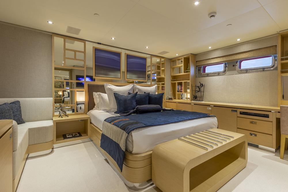 QING - Luxury Motor Yacht For Sale - 2 DOUBLE CABINS - Img 1 | C&N