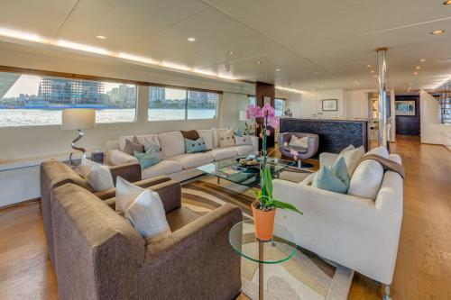 LIONSHARE - Luxury Motor Yacht For Charter - Interior Design - Img 1 | C&N