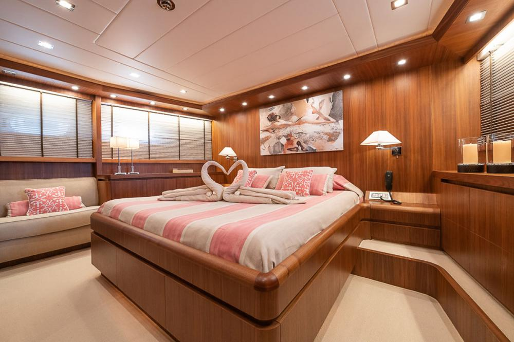 STRAVAGANZA - Luxury Motor Yacht For Sale - 1 MASTER CABIN - Img 1 | C&N