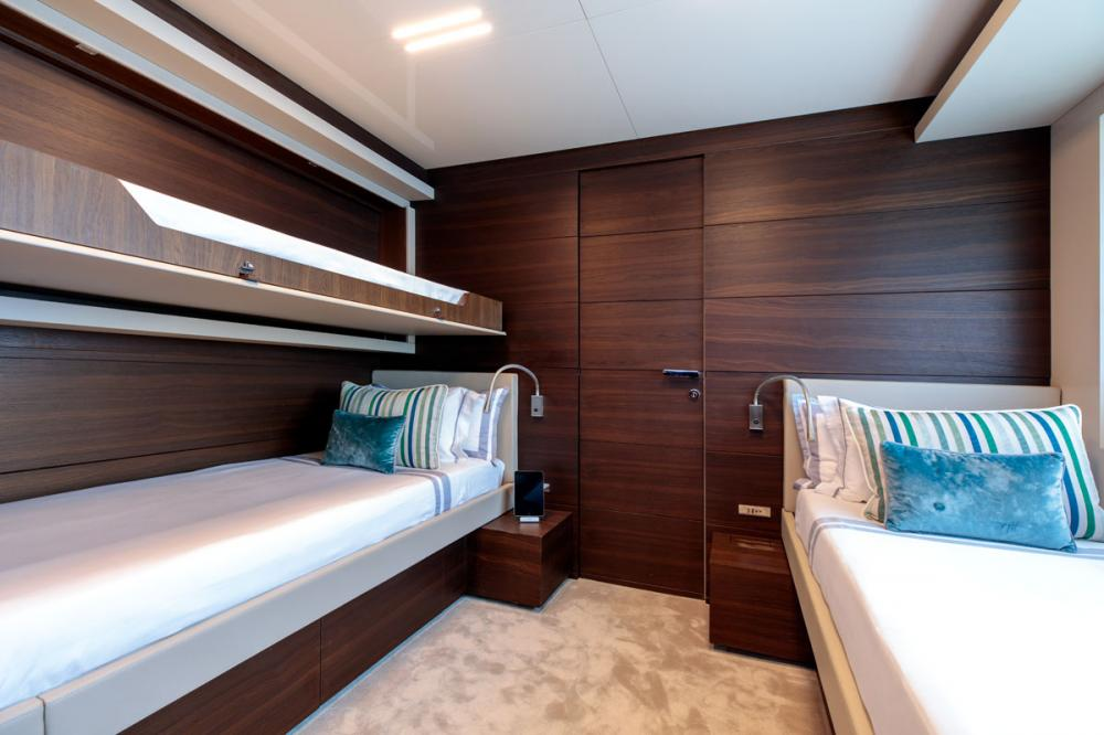 SONIC - Luxury Motor Yacht For Sale - 2 TWIN CABINS - Img 2 | C&N