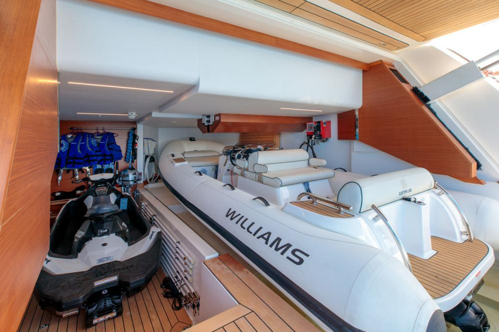 SONIC - Luxury Motor Yacht For Sale - GARAGE - Img 1 | C&N