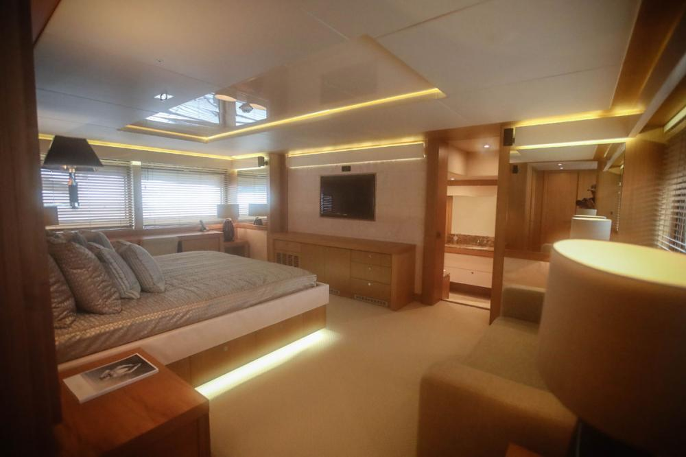 Manhattan Express II - Luxury Motor Yacht For Sale - 1 MASTER CABIN - Img 2 | C&N