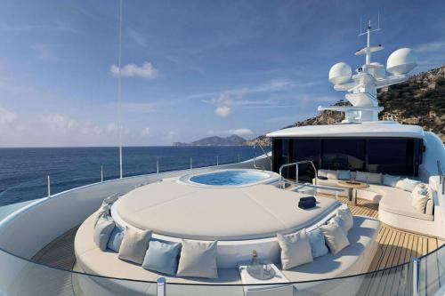 AURORA BOREALIS - Luxury Motor Yacht For Sale - Exterior Design - Img 3 | C&N