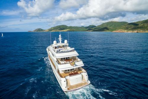 PURE BLISS - Luxury Motor Yacht For Charter - Exterior Design - Img 3 | C&N