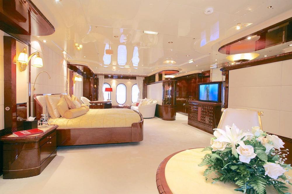 AMBROSIA - Luxury Motor Yacht For Sale - Master Stateroom with owner's study - Img 1 | C&N