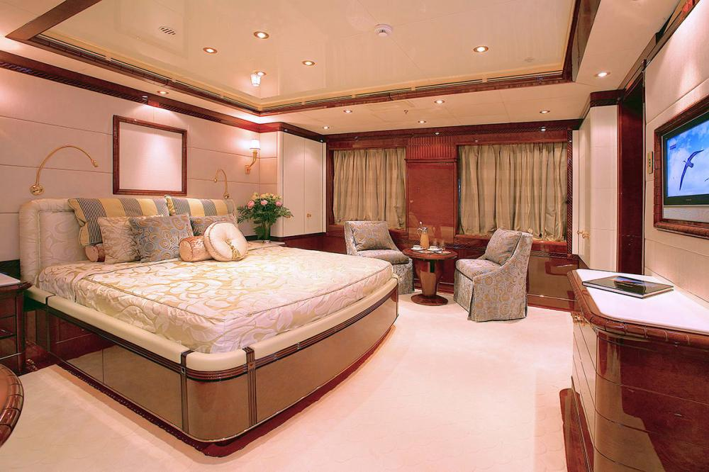 AMBROSIA - Luxury Motor Yacht For Sale - VIP Suite - Img 1 | C&N