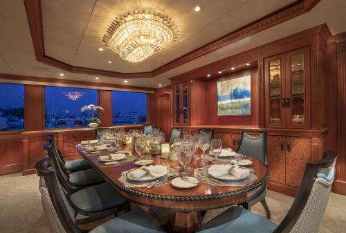 PURE BLISS - Luxury Motor Yacht For Charter - Interior Design - Img 5 | C&N