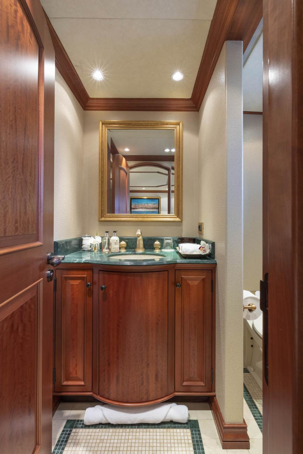 PURE BLISS - Luxury Motor Yacht For Charter - 3 Double Guest Staterooms - Img 7 | C&N