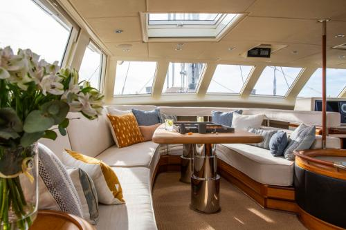 SURAMA - Luxury Sailing Yacht For Sale - Interior Design - Img 4 | C&N