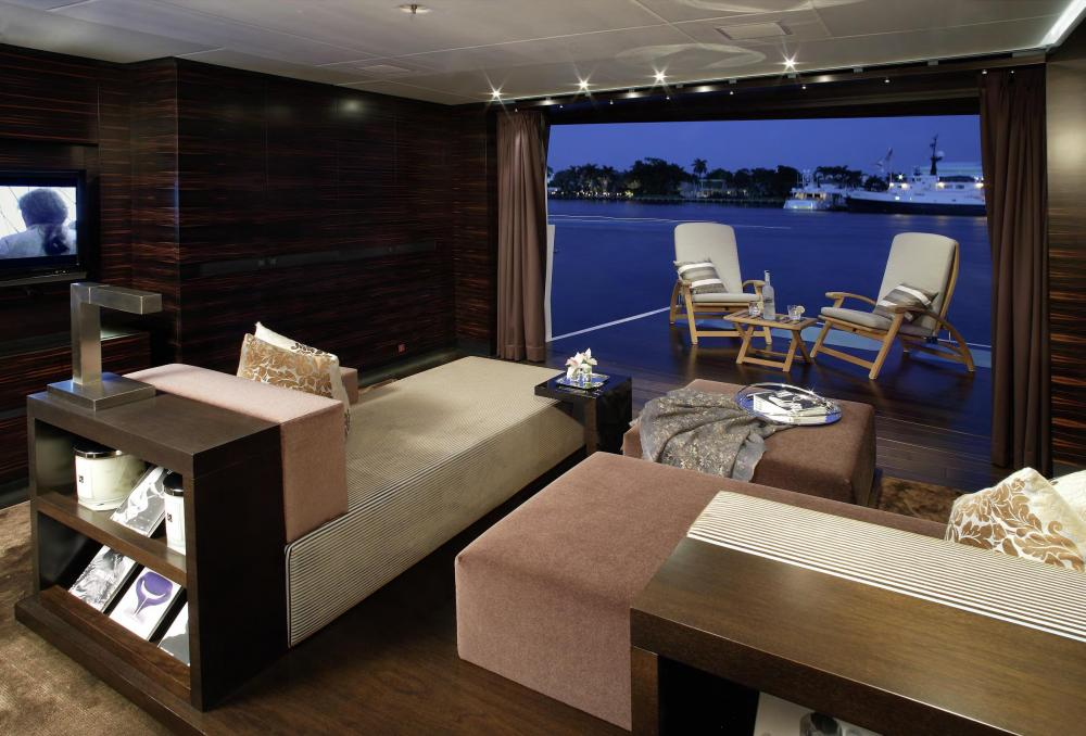 INCEPTION - Luxury Motor Yacht For Charter - Full Beam VIP Suite - Img 2 | C&N