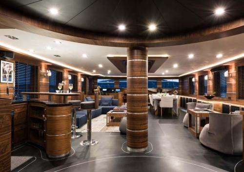 ROX STAR - Luxury Sailing Yacht For Charter - Interior Design - Img 1 | C&N