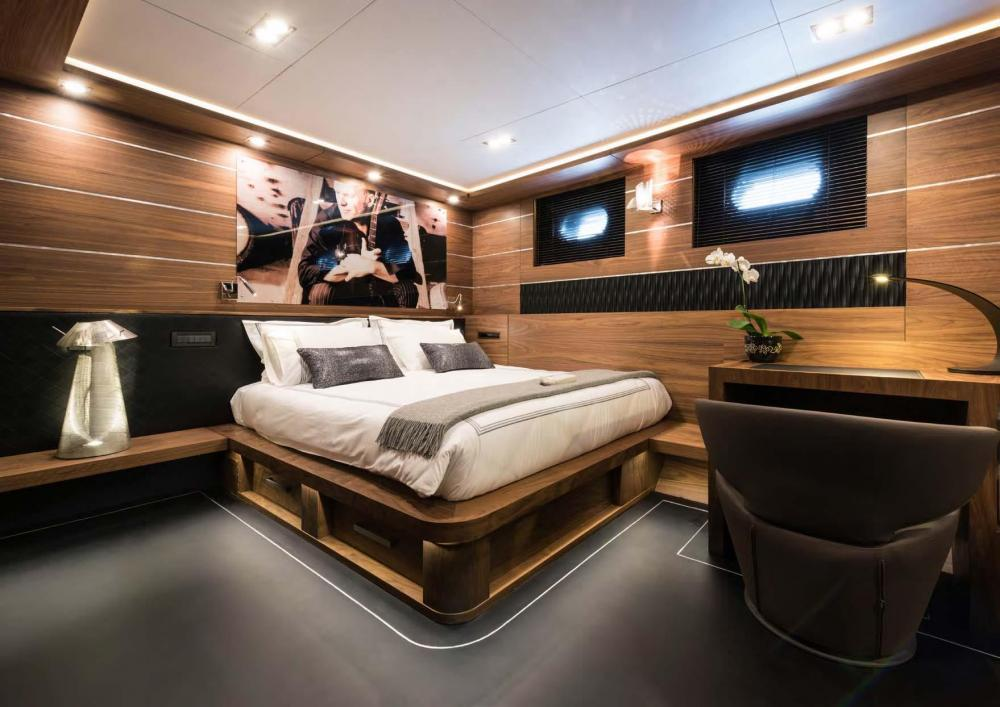 ROX STAR - Luxury Sailing Yacht For Charter - Four Spacious Double Cabins and one Pullman Berth - Img 2 | C&N
