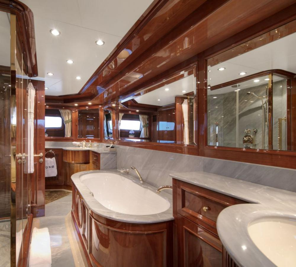 DXB - Luxury Motor Yacht For Charter - 3 Double Cabins with ensuite - Img 3 | C&N