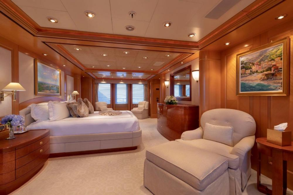 LAUREL - Luxury Motor Yacht For Charter - Master Suite - Img 1 | C&N