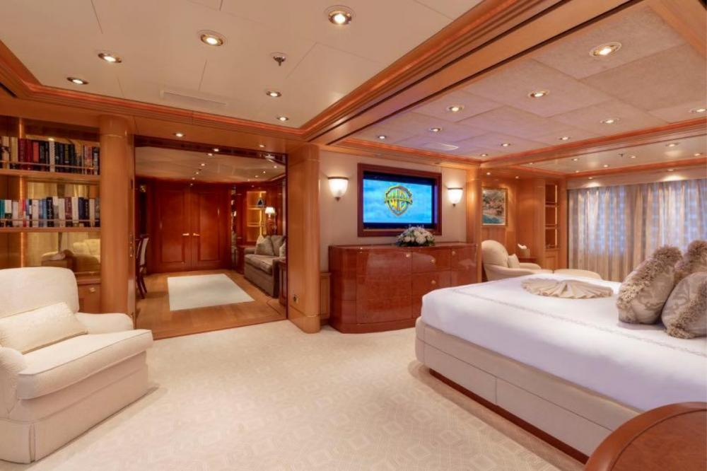 LAUREL - Luxury Motor Yacht For Charter - Master Suite - Img 2 | C&N