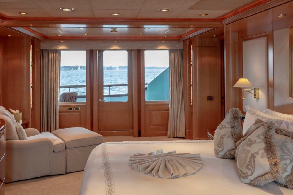 LAUREL - Luxury Motor Yacht For Charter - Four king suites - Img 1 | C&N