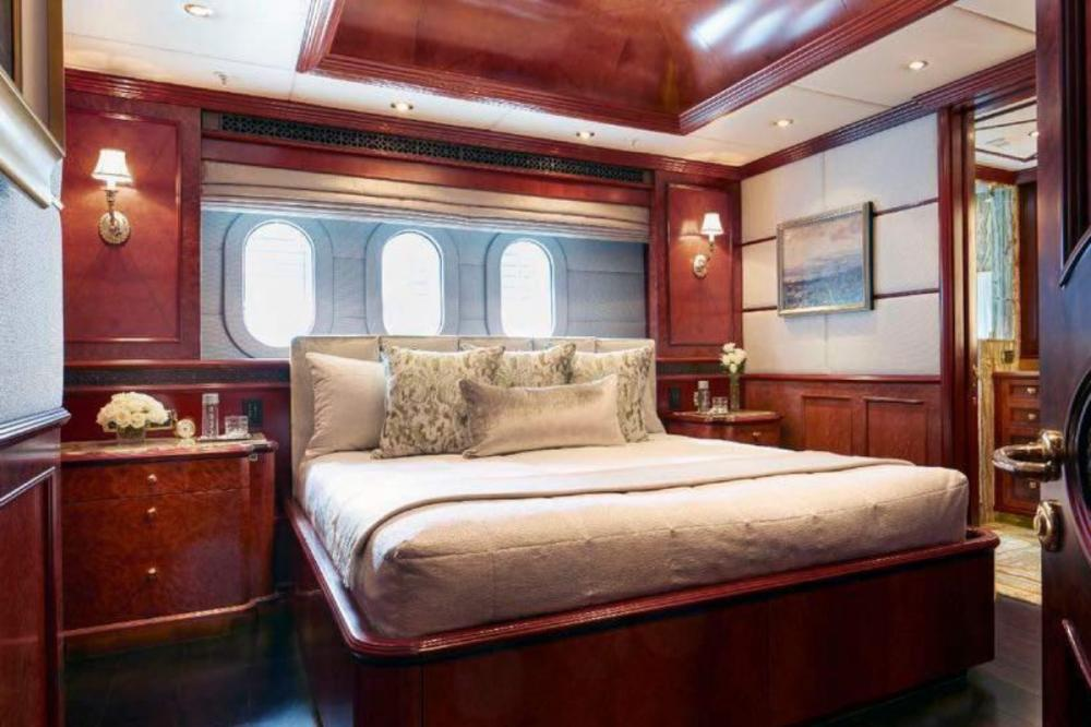 MIA ELISE II - Luxury Motor Yacht For Charter - 3 King Cabins - Img 1 | C&N