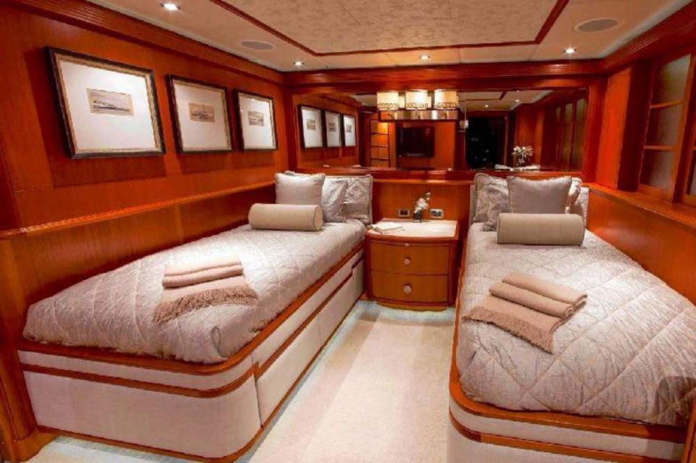 SKYFALL - Luxury Motor Yacht For Charter - Twin With Pullman - Img 1 | C&N