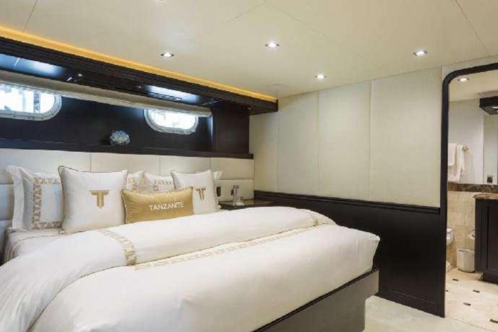 TANZANITE - Luxury Motor Yacht For Charter - Four King Cabins - Img 2 | C&N