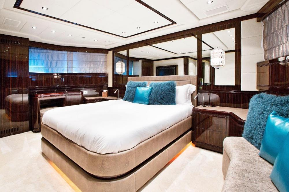 MAC TOO - Luxury Motor Yacht For Charter - Vip Stateroom - Img 1 | C&N
