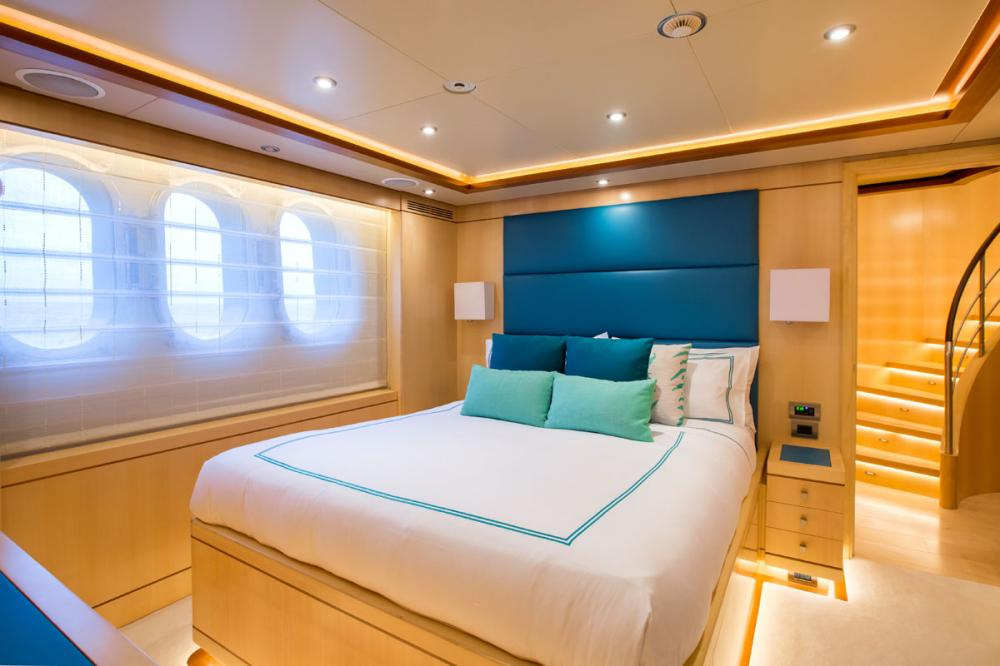 BLUE VISION - Luxury Motor Yacht For Sale - 2 DOUBLE CABINS - Img 3 | C&N