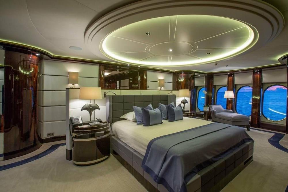 DREAM - Luxury Motor Yacht For Charter - Full Beam Master Suite - Img 2 | C&N