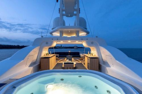 DEJA TOO - Luxury Motor Yacht For Charter - Exterior Design - Img 2 | C&N