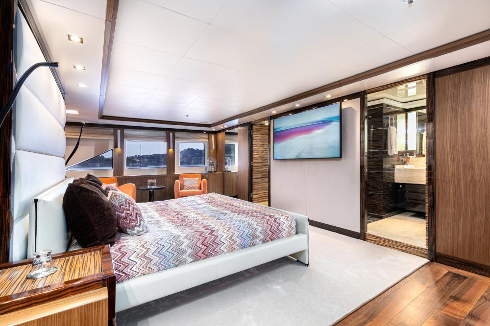 PANAKEIA - Luxury Motor Yacht For Charter - 1 MASTER CABIN - Img 2 | C&N
