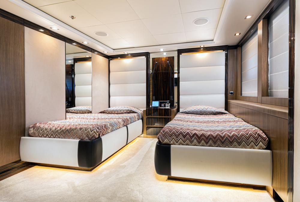 PANAKEIA - Luxury Motor Yacht For Charter - 2 TWIN CABINS - Img 2 | C&N