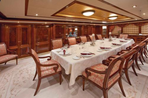 TITANIA - Luxury Motor Yacht For Charter - Interior Design - Img 3 | C&N