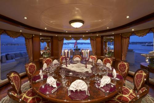 TITANIA - Luxury Motor Yacht For Charter - Interior Design - Img 4 | C&N