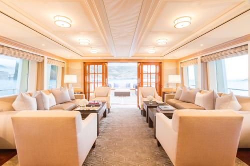 Fabulous Character - Luxury Motor Yacht For Charter - Interior Design - Img 1 | C&N