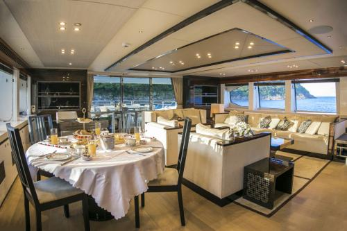 RHINE - Luxury Motor Yacht For Sale - Interior Design - Img 2 | C&N