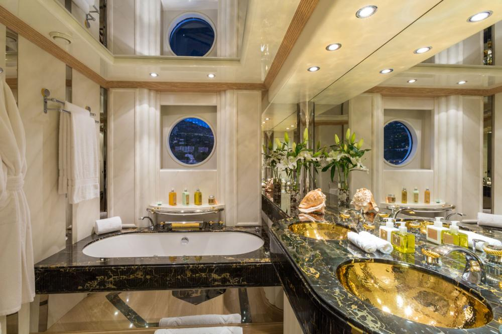 ECLIPSE - Luxury Motor Yacht For Sale - 1 MASTER CABIN  - Img 3 | C&N