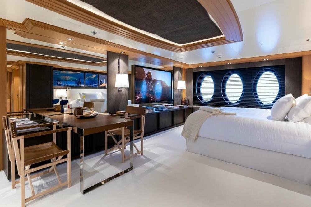 DEJA TOO - Luxury Motor Yacht For Charter - Single Cabin with pullman - Img 1 | C&N