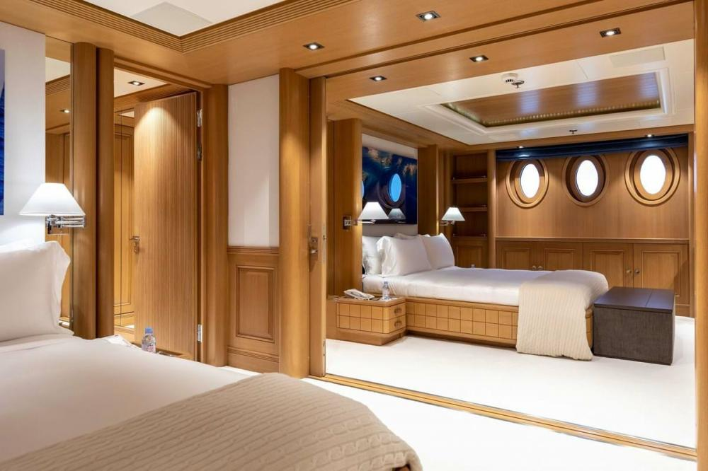 DEJA TOO - Luxury Motor Yacht For Charter - Single Cabin with pullman - Img 4 | C&N