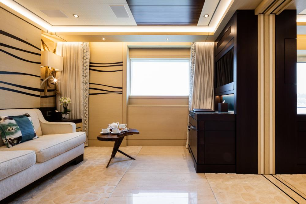 TRANQUILITY - Luxury Motor Yacht For Charter - 1 VVIP & 2 VIP CABINS - Img 5 | C&N
